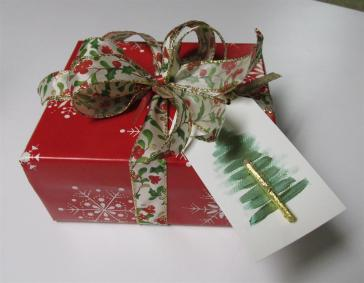 Gift with tag (Large)