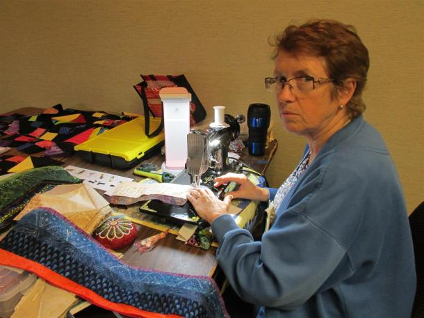 quilt-sew-in-janet-sewing