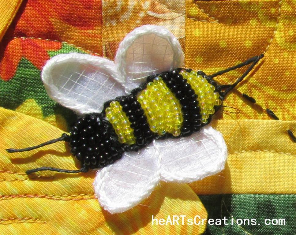Beaded Bee heARTsCreations (Medium)