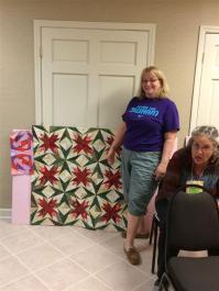 The paper piecing queen - beautiful Christmas quilt!