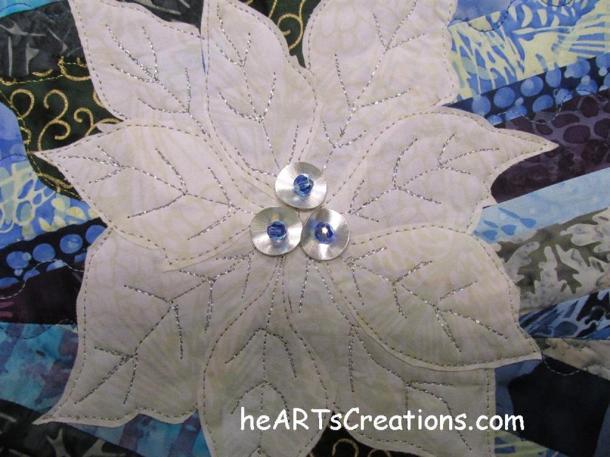 Poinsettia Beads heARTsCreations.com (Medium)